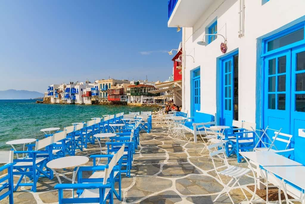 a day trip from Athens to Mykonos
